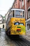 Vieux tram de Lisbonne Photo stock