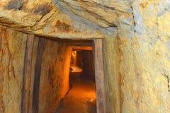 Or - vieux tunnel romain dans la mine d'or Rosia Montana, la Transylvanie Image stock