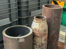 Vieux tuyau d'acier d'abandon Photographie stock