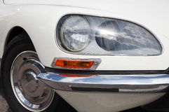 Vieux véhicule blanc Photographie stock