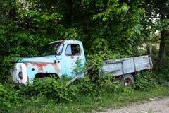 Vieux véhicule bleu Photo stock