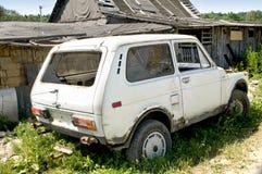 Vieux véhicule cassé Photo stock