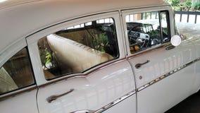 Vieux véhicule de Chevrolet images libres de droits