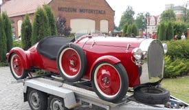Vieux véhicule rouge Images libres de droits