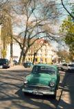 Vieux véhicule vert Photos libres de droits