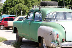 Vieux véhicules au Cuba photos stock