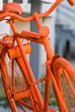 Vieux vélo orange Russe-fait Images libres de droits