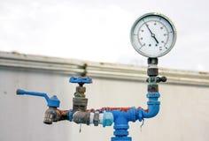 Vieux valve et robinet de mètre Images libres de droits