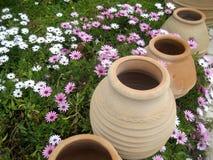 Vieux vases Photos libres de droits