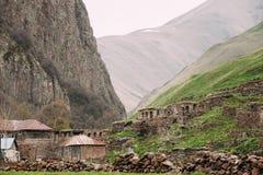 Vieux videz le village abandoné abandonné avec les Chambres délabrées dedans Photo stock