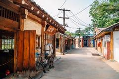 Vieux village coréen au musée folklorique national de la Corée photographie stock libre de droits