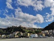 Vieux village de pêche de Scilla photo stock
