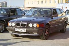 Vieux-voiture BMW 5 séries e34 Photographie stock