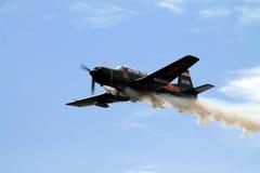Vieux vol chinois d'avion de combat Images stock