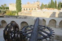 Vieux waterwheel dans l'Alcazar Photo stock