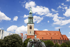 St. Mary's Church (Marienkirche) & Neptune Fountain (Neptunbrunn Royalty Free Stock Photos