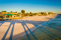 View of the beach from the fishing pier in Fort Myers Beach, Flo Royalty Free Stock Photos