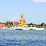 The view of big golden buddha be side the Chao Phraya river Stock Photography