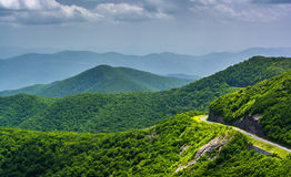 View of the Blue Ridge Parkway and the Appalachian Mountains fro. M Craggy Pinnacle, North Carolina stock photography