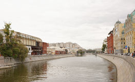 View of the Bolotnaya and Yakimanskaya embankments and Patriarch Royalty Free Stock Photography