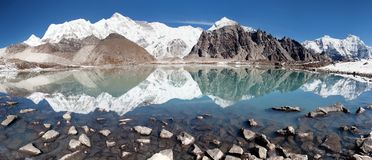 View of Cho Oyu mirroring in lake Royalty Free Stock Image