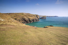 View from cliff tops across Kynance Cove Royalty Free Stock Photos