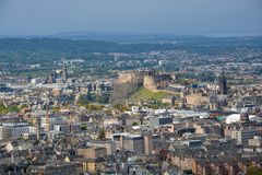 View on Edinburgh castle and the old town from Arthurs Seat, Sco Stock Image