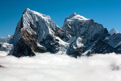 View from Gokyo Ri to Arakam Tse, Cholatse and Tabuche Peak Royalty Free Stock Photo