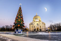 View of the Kronstadt Naval Cathedral in the Christmas winter ev Royalty Free Stock Photos