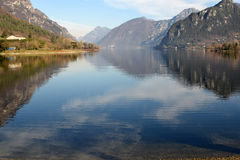A view of Lake Idro in the mountains of the Valle Sabbia - Bresc Stock Photos