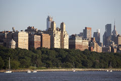 View at Manhattan from the Hudson river in the afternoon sun - New York City Royalty Free Stock Photos