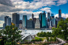 View of the Manhattan skyline from Brooklyn Heights, New York. Royalty Free Stock Photos