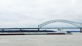View of Mississippi River barge by Memphis, Tennessee stock image