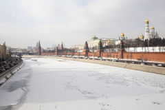 View of the Moskva River, Bridge and the Kremlin in winter time Royalty Free Stock Photos