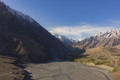 View on the new silk road National Highway 35 or China-Pakistan. Friendship Highway Stock Photo