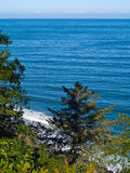 View of the ocean from a cliff Royalty Free Stock Photos
