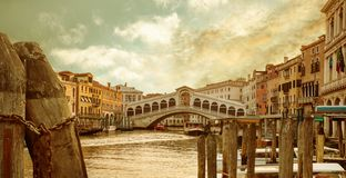 Free View Of Rialto Bridge, Venice, Italy Stock Photo - 165833680