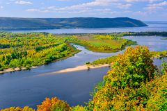 Free View Of The Volga River In The Zhiguli Mountains On A Clear Sunny Day Royalty Free Stock Photo - 157944005