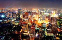 A view over the big asian city of Bangkok , Thailand at nighttime Stock Photos