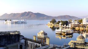 View on the Pichola lake and Palas. Udajpur, India Stock Photos