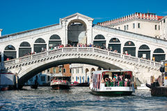 A view of Ponte di Rialto from Canal Grande - Venezia Royalty Free Stock Images