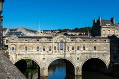 A view of Pulteney Bridge across the River Avon, Bath, England stock image