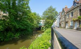 Willow Vale and the River Frome in Frome town. A view of the River Frome as it flows alongside Willow Vale road in the centre of Frome Town Stock Photos