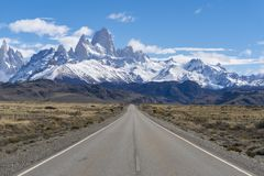 Road to Monte Fitz Roy in Argentina stock images