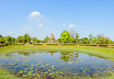 View of the ruins of Wat Mahathat in Sukhothai Historical park Stock Photos
