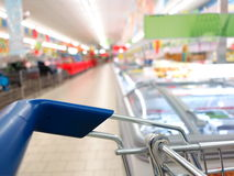 View of a shopping cart at supermarket Royalty Free Stock Photos