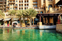 View of the Souk Madinat Jumeirah and tourists waiting for abra boat Royalty Free Stock Photos
