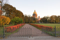 View of St. Isaac's Cathedral Admiralty embankment Royalty Free Stock Photos