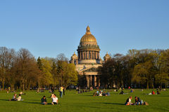 View of St. Isaac's Cathedral, Senate square and tourists on the Stock Photos