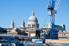 View on St. Paul s Cathedral behind the crane Stock Photography